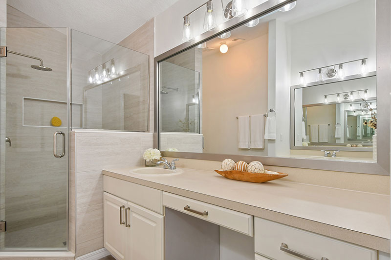 bright airy, attractive bathroom